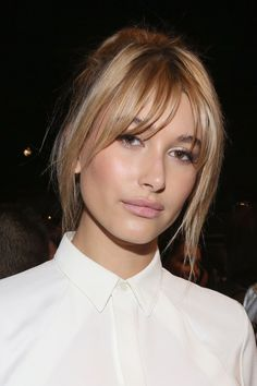 Hairstyles with bangs: the most beautiful looks to style - Haare - In love with shock! Hairstyles with bangs have regained their place in the top trend hairstyles. Pony Hairstyles, Hairstyles With Bangs, Straight Hairstyles, Hairstyle Ideas, French Hairstyles, Blonde Hairstyles, Layered Hairstyles, Updo Hairstyle, Hairstyles Haircuts