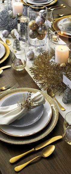 Christmas Table Glitter Wreaths