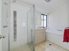 Modern, bright and spacious property, good for families looking for a private place of their own. Find it here: http://qldvr.com.au/10867753