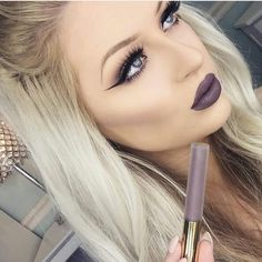 """Gray + Purple = GRAVITY liquid lipstick! It's perfection on @babsbeauty_ Add 3 hydra mattes to your cart and enter code Hydra35 to bring this deal…"""