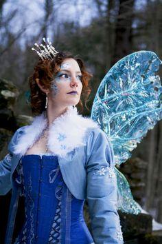 cellophane faerie wings tutorial. tutorials, ice queen, fairies, fairi wing, halloween costume ideas, crowns, halloween costumes, blue, snow