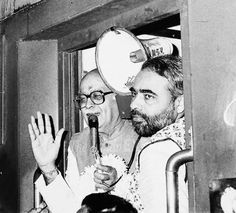 Rare Pictures of Prime Minister Narendra Modi Living as a Sadhu Rare Images, Rare Pictures, Historical Pictures, Rare Photos, Historical Maps, Vintage Photographs, History Of Time, History Of India, World Theatre Day