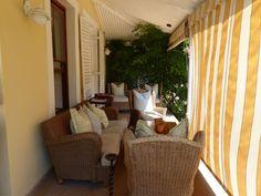 Auf der schattigen Veranda im River Manor gibt es sogar W-Lan Curtains, River, Home Decor, Cape Town, Travel Advice, Blinds, Decoration Home, Room Decor, Draping
