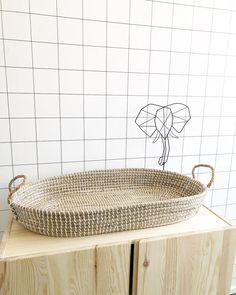 #kwantuminhuis Behang MANON @three.kidsrock Laundry Basket, Home Decor Inspiration, Wicker, House Design, Organization, Kids, Getting Organized, Young Children, Organisation