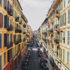 The picturesque streets of Nice lead to its beautiful waterfront. Photo courtesy of alinatsvor on Instagram.