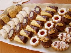 Christmas Sweets, Christmas Baking, Eid Sweets, Cookie Recipes, Dessert Recipes, Eid Food, Candy Drinks, Biscotti Cookies, Czech Recipes