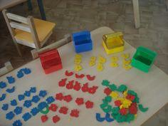 Дидактическая игра по сенсорно-моторному развитию для детей раннего возраста «Цветные корзиночки» Фото