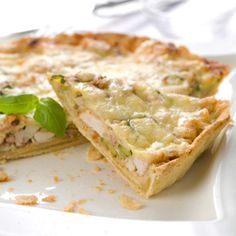 Tarte au poulet - Recipes to test - Quiche Lorraine, French Food, Dried Tomatoes, Culinary Arts, Fruits And Veggies, Mozzarella, Entrees, Food And Drink, Cooking Recipes