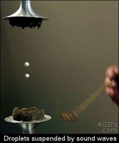 Geluidsgolven kunnen water op schorten in de ruimte