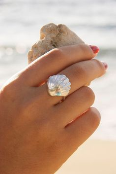 Hand formed from an authentic sunrise shell using Art Clay Silver. The result is a stunning fine silver sunrise shell ring. - Tap on the link to see the newly released collections for amazing beach bikinis! Bling Bling, Gold Jewelry, Jewelry Box, Jewelry Accessories, Jewelry Stores, Fine Jewelry, Jewelry Ideas, Boho Jewellery, Summer Accessories