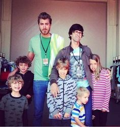 Rhett with his kids (Locke and Shepherd) and Link with his kids (Lily, Lincoln, and Lando).