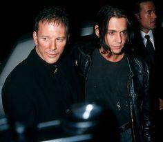 Микки Рурк с Джонни Деппом на вечеринке в честь своего дня рождения в 1994-м