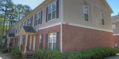 Call 678-790-0516 if you are interested! MOVE IN READY! 4 Bed/3 Bath Townhome. Hardwood floors nice carpet, spacious townhome. Must See! Close to Shopping. Minutes away from Atlanta's attractions such as White Water. Close to Kennesaw State University Marietta Campus.