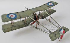 実機は、1915年に初飛行したイギリスの単座機。英語圏の印刷物に登場する推進式戦闘機として、動態保存のレプリカ機の姿として、古典機好きには親しみある機体。コロジーモデル製レジンキットより制作。縮尺1/72スケール、全長10.5cm、翼幅13.5cm。2015年10月9日、制作完成。※工作について・張り線は0.5号ナイロン樹脂ハリスを使用。・下翼パーツが入っていなかったのでプラ板を削りだして自作しました。・主翼は実機では上反角が...