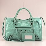 Love this bag in this color! Need to add another color to my collection. Red...brown...silver...TEAL!