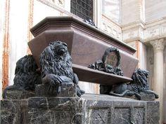 Sarcophagus of Daniele Manin, Piazzetta dei Leoncini, San Marco, Venice