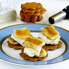 Bruleed Banana and Brie Bites on Gingersnap Cookies. It's the perfect snack!