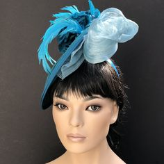 Turquoise saucer hat by milliner Amy Ward at: AwardMillineryDesign.com Stunning one-of-a-kind hat for the Kentucky Derby and Royal Ascot.Handmade couture headpiece. Please pin and share on social media. Amy Ward, Kate Middleton Hats, Royal Ascot Hats, Silk Roses, Silk Flowers, Kentucky Derby Hats, Wedding Hats, Fascinator Hats, Royal Weddings