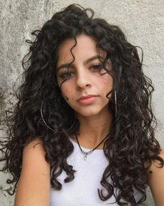 Medium length wave hair is perfect for every woman. No matter your face is round or square. Or whatever your hair is thick or thin either. Medium length wave haircut will look great on you! Curly Hair Tips, Curly Hair Styles, Loose Curly Hair, Black Curly Hair, Waves Haircut, Wave Hairstyle, Hairstyle Ideas, Hairstyle Men, Hair Updo
