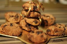 Naschen ohne Reue! Das ist möglich mit diesen zuckerfreien Low Carb Schoko Cookies. Nicht nur zur Weihnachtszeit ein Genuss! :)