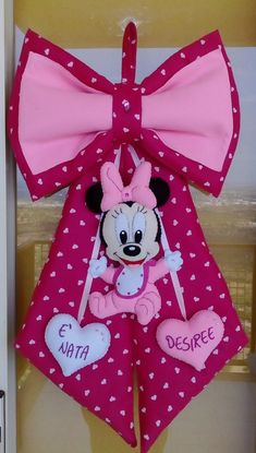 Minnie Mouse Pinata, Minnie Baby, Baby Disney, Baby Door Decorations, Felt Banner, Gallery Frames, Knit Pillow, Natural Texture, Fabric Covered