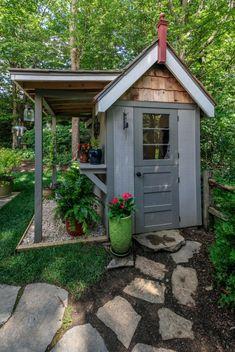 French Cottage Garden, Cottage Garden Sheds, Cottage Garden Borders, Backyard Cottage, Cottage Garden Plants, Backyard Sheds, Backyard Landscaping, Cottage Gardens, Victorian Cottage