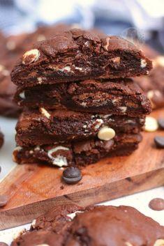 Triple Chocolate Cookies, Caramel Chocolate Chip Cookies, Chocolate Cookie Dough, Chocolate Crinkles, Chocolate Sweets, Chocolate Cookie Recipes, Easy Cookie Recipes, Baking Recipes, Cookies