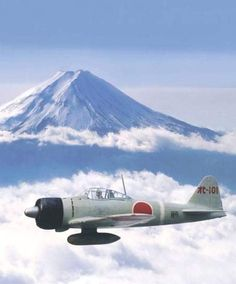Mitsubishi Rei-sen over Mount Fuji Us Navy Aircraft, Ww2 Aircraft, Fighter Aircraft, Military Aircraft, Fighter Jets, Military Art, Military History, Airplane Fighter, Imperial Japanese Navy