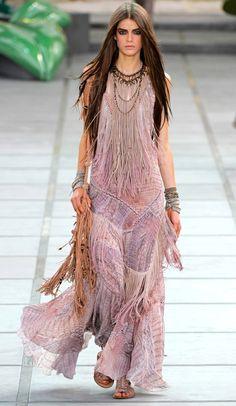Roberto cavalli spring/summer 2011 ready-to-wear 드레스 платья, Hippie Style, Estilo Hippie Chic, Gypsy Style, Boho Gypsy, Bohemian Style, Hippie Boho, Bohemian Outfit, Bohemian Summer, Boho Dress