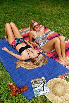 Besties | Claire Zinnecker y Kate Stafford Weaver | fotos de Nicole Mlakar párrafo Estilos Camille