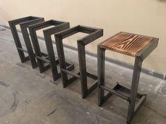modern industrial bar stool - - handmade modern industrial bar stool -handmade modern industrial bar stool - Tabouret de bar design acier et bois industriel Welded Furniture, Steel Furniture, Bar Furniture, Unique Furniture, Furniture Projects, Diy Projects, Furniture Stores, Furniture Websites, Metal Projects
