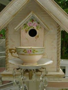 Beautiful bird house @ Basil Mosher, this would be perfect for a mother's day present for mom