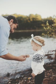 Is it just me, or is this predicting my future..sure looks like Jeremy with my little girl;) one day...not soon though