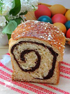 COZONAC FARA FRAMANTARE CU NUCA SI CACAO | Secretele bucatariei noastre Romanian Food, Romanian Recipes, Sweet Bread, Bagel, Food And Drink, Baking, Pastries, Ideas, Chocolates