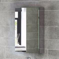 <p><strong>Opbergruimte? Of een spiegel? Met Liberty heb je het allebei.</strong></p> <p>Superpraktisch deze Liberty spiegelkasten. Een opbergkast voor je kleine badkamerspulletjes. Met een spiegeldeur ervoor, zo zijn je spulletjes uit, en jij in het zicht!</p> <p><strong>Doordacht design</strong></p> <p>Vooral in de kleine badkamer is het vaak een hele uitdaging om alle spulletjes op te bergen. Liberty...