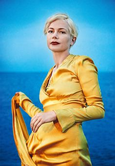 Smile: Michelle Williams in Porter Magazine Winter Escape 2016 by Ryan McGinley Michelle Williams Style, Kate Und William, Mia Wasikowska, Look Short, Julia Roberts, Iconic Women, Photos Of The Week, Jennifer Aniston, Editorial Fashion