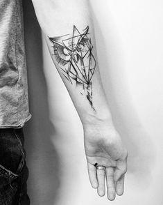 tattoos for men, owl tattoo, wrist owl tattoo, wrist minimal tattoo, minimalist … – Tattoo Pattern Popular Tattoos, Trendy Tattoos, Tattoos For Guys, Tattoos For Women, Cool Tattoos, Tatoos, Owl Tattoo Wrist, Simbols Tattoo, Mens Owl Tattoo