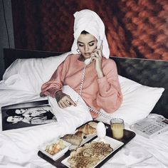 breakfast in bed Hotel Tumblr, Bed Tumblr, Bed Picture, Bed Photos, Old Money, Shooting Photo, Christmas Shopping, Pre Christmas, Breakfast In Bed