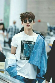 Hanbin has come to mess with my true love for Johnny.what should I do? Kim Hanbin Ikon, Ikon Kpop, Chanwoo Ikon, Yg Entertainment, K Pop, Ringa Linga, Ikon Debut, Jay Song, Couscous