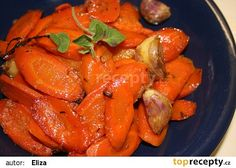 Pečená bylinková mrkev recept - TopRecepty.cz Czech Recipes, Russian Recipes, Ethnic Recipes, Vegetable Recipes, Vegetarian Recipes, Vegan Menu, Polish Recipes, Home Food, Carrots