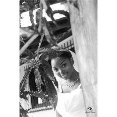 Peek-a-boo I see you  Photo by: @akosua_bonna  Make-up: @lezy_qurunchy  #weddings #weddingsinGh #idogh #everythingweddings #monochrome #igbnw #blackandwhite #aburi #travel #Ghana #nikon #photoshoot #photography #makeup #newlywed #beautiful #bride by akosua_bonna