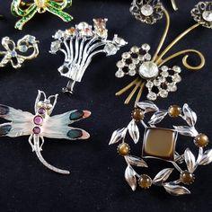 Antigo Broche de Strass de Alta Qualidade Pin lote Flor Pérola Folhas Arco Figural I14 | eBay