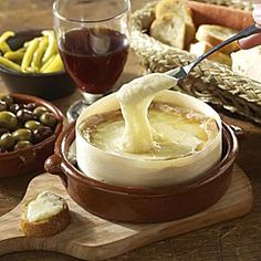 Torta del Casar Soft Cheese  http://www.todoextremadura.com