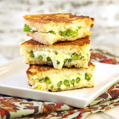 The perfect grilled cheese - spring edition. Sometimes I have a craving for a good grilled cheese sandwich. Like today. And so, I set out to make the perfect Meatless Monday grilled cheese! Grill Cheese Sandwich Recipes, Grilled Cheese Recipes, Grilled Cheeses, Milk Recipes, Vegetarian Recipes, Cooking Recipes, Vegetarian Lunch, Tapas, Perfect Grilled Cheese