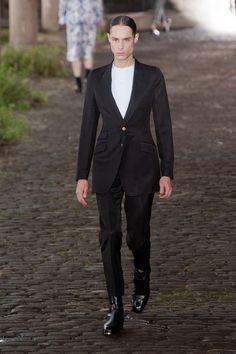McQueen Menswear spring 2014 - Fashion Daily Mag http://fashiondailymag.com/mcqueen-menswear-spring-2014/