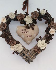 Cuore ,fiocco in vimini  con rose ,roselline shabby chic   30x30 cm personalizzabile