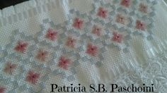Bordado Bargello Needlepoint, Swedish Weaving, Handicraft, Hand Embroidery, Diy And Crafts, Rugs, Sewing, Towels, Cross Stitch Embroidery