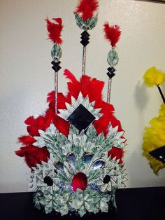 Graduation Money Tuiga by D. Graduation Crafts, Graduation Leis, Money Lei, Money Origami, Crown Money, Money Creation, Creative Money Gifts, Folding Money, Gifts For Photographers