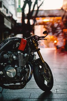 14_04_2016_Yamaha_XJR1300_Cafe_Racer_11