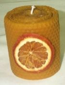 Manualidades y Bellas Artes. Álbum de fotos de velas. Decoupage, Candle Art, Candlemaking, Candles, Orange, Fruit, Beeswax Candles, Candle Wax, Craft Stores